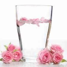 صورة استخدامات ماء الورد , طرق جميله لاستخدام ماء الورد