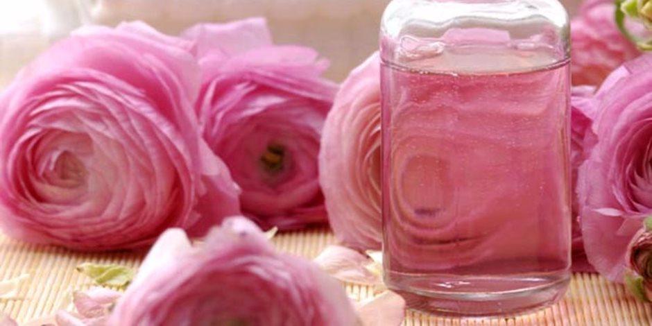 صورة ماء الورد للشعر , شرح فوائد ماء الورد للشعر