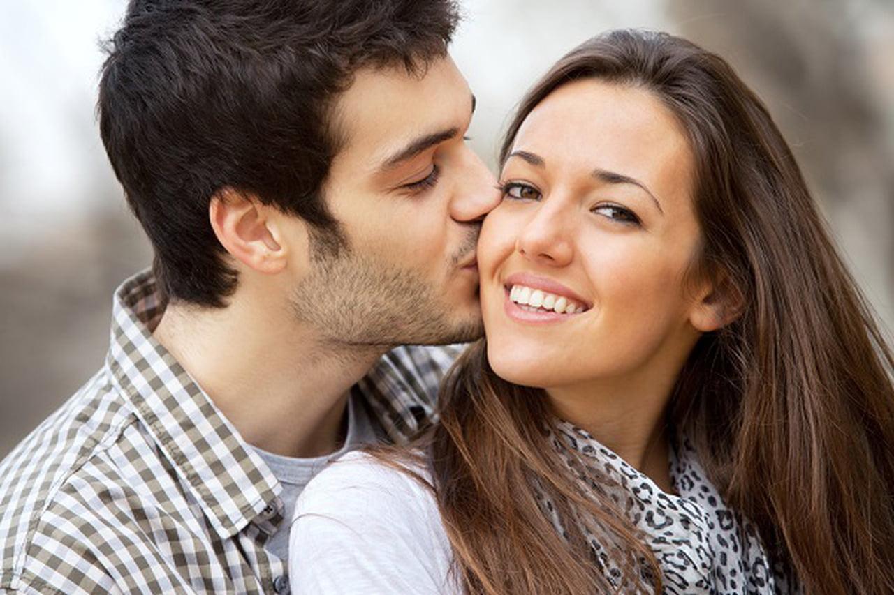 صورة كيف تخلي البنت تحبك , مواصفات رجل تحبه النساء