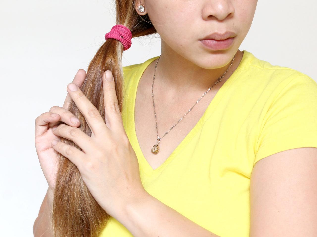 صورة زيت اللوز للشعر الحلو او المر، اكثر الزيوت الطبيعية الغنية لتغذية الشعر واعطاءه حيويته
